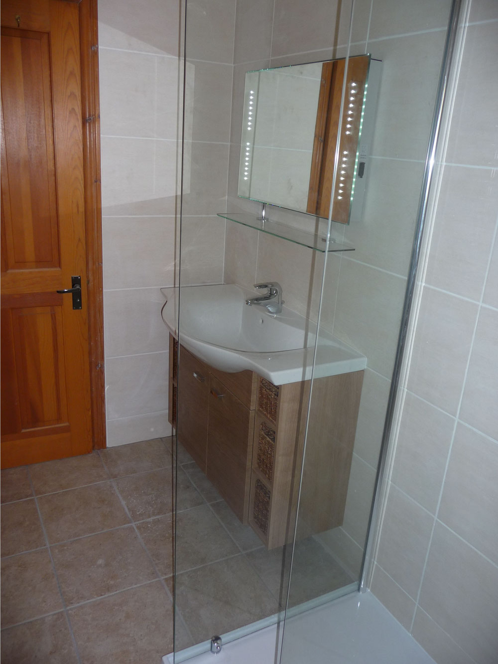 Bathroom Fitter In Poole Bournemouth And Dorset M D Kitchens